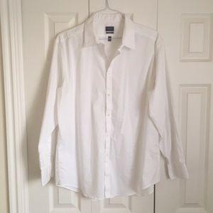 ARROW snazzy white dress shirt